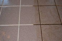Zseniális! Így varázsod újjá a csempéd fugáit pillanatok alatt. Clean Tile Grout, Grout Cleaner, Cleaning Hacks, Tile Floor, Life Hacks, Tiles, About Me Blog, Crafts, Home Decor