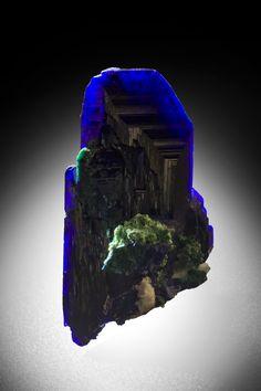 Azurite [http://img.irocks.com/60_Azurite-Tsumeb-Namibia-57mm-JB973-51.jpg]