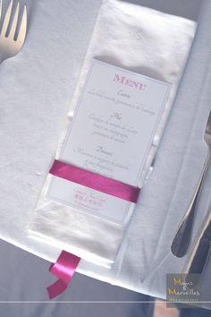 Menu Rond de serviette avec ruban retombant http://www.mainsetmerveillesdeco.fr/