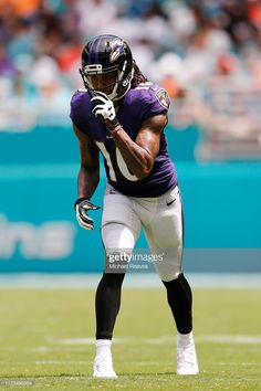 Seth Roberts of the Baltimore Ravens in action against the Miami Dolphins at Hard Rock Stadium on September 2019 in Miami, Florida. Get premium, high resolution news photos at Getty Images Nfl Football, College Football, Football Players, Nfl Uniforms, Baltimore Ravens, Miami Dolphins, Hard Rock, Cheerleading, Nhl