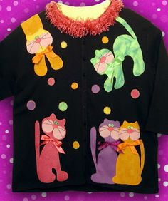 Love the cat appliques. Cat Applique, Applique Patterns, Craft Patterns, Sweatshirt Refashion, Sweatshirt Dress, Sweat Shirt, Sewing Appliques, Sweaters And Jeans, Sewing For Kids