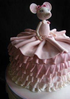 Angelina Ballerina Birthday Cake...... sweet SOO adorable!!!! I loved her when I was growing up.... Would love to make!