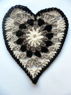 Crochet Granny Heart -  Picture Tutorial, but directions from translated Finnish are hard to understand