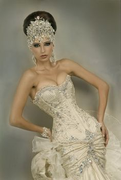 Alberto Rodriguez --- not a fan of the headpiece, but the embroidery & bead work on the dress is gorgeous.I am a fan of the headpiece~it reminds me of the and the Flapper era. Bridal Headpieces, Bridal Gowns, Wedding Gowns, Dress Up, Yes To The Dress, Looks Style, Wedding Attire, Beautiful Gowns, Bridal Collection