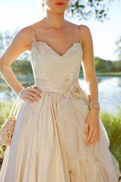 Dress by Elizabeth de Varga | Style Me Pretty | Gallery | Picture | #668756