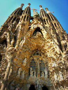 Sagrada Família, Barcelona cityseacountry.com