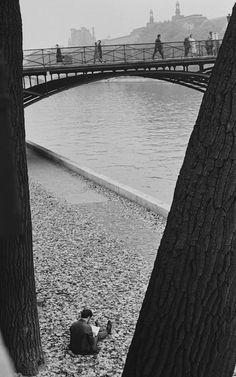 André Kertész - Pont des Arts, Paris, 1963