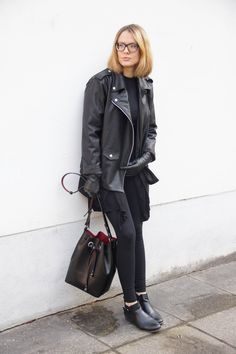 LEATHER LAYERING LOOK | oak&fort leather jacket, funktionschnitt shirt, h&m cardigan, h&m blazer, h&m premium leather belt, h&m leggings, deichmann shoes, h&m premium leather gloves, zara bag