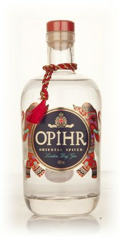 Opihr Oriental Spiced Gin is a London Dry Gin made with botanicals from along the spice route that led back to the UK. Cubeb berries, black pepper and coriander are all used in this gin, launched by Quintessential Brands in gin route Tequila, Vodka, Gin Bar, Ginger Ale Gin, Alcoholic Drinks, Cocktails, Beverages, Cocktail Recipes, Favors