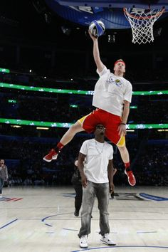 Thats my ticket 2013 nba slam dunk contest canvas ticket team who says white men cant jump chase budinger jumps over p diddy nba slam dunk contestwatch voltagebd Choice Image