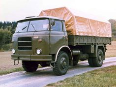Old Trucks, Cars And Motorcycles, Techno, Vintage Cars, Retro, Buses, Vehicles, History, Antique Cars