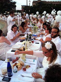 We love these tips for attending Diner en Blanc!