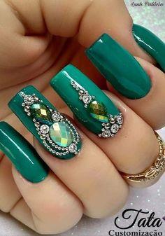 # Emerald Nails W/ Bling Green Nail Designs, Best Nail Art Designs, Beautiful Nail Designs, Emerald Nails, Diamond Nails, Rhinestone Nails, Bling Nails, Gem Nails, Hair And Nails