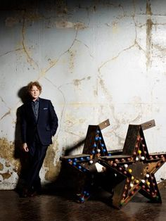 Simply Red The Greatest Hits Mick Hucknall, Simply Red, Pop Bands, Greatest Hits, Album Covers, Something To Do, Music, Painting, Stars