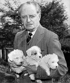 Sir Jocelyn Lucas, who hunted a pack of Sealyhams, with three puppies in 1959 Glen Of Imaal Terrier, Sealyham Terrier, Fox Terriers, Wire Fox Terrier, Bull Terrier, Lucas Terrier, Celebrity Dogs, The Kennel Club, Fluffy Puppies