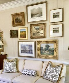 Admiring this gallery wall by scouted designer Ann Dutcher Dutcher's unfussy traditional interiors are a true blend… Gallery Wall Frames, Frames On Wall, Gallery Walls, Gold Picture Frames, Picture Wall, Traditional Interior, Traditional Artwork, Hanging Pictures, Inspiration Wall