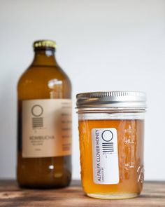 Make a jun kombucha with some special Alfalfa Clover honey from Ladner BC. This special SCOBY food will have outstandingtasting notes #kombucha #kombuchabar #nitro #nitrotea #nitrotap #kitsilano  Photography by @sewaricampillo