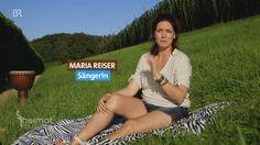 Mundart-Künstlerin: Die Musikerin Maria Reiser | Heimatrauschen | BR // Maria Reiser ist Bayerin durch und durch. Geboren in einem 250-Seelen-Dorf in Niederbayern findet sie früh zur Musik. Sie spielt vier Instrumente, singt seit dem Kindesalter - doch zur Musik in Mundart kam sie erst über einen Umweg von tausenden von Kilometern. In Afrika hat sie nicht nur zu sich selbst gefunden, sondern auch entdeckt wie wichtig für sie ihre bayerische Identität ist. Ganze Sendung…