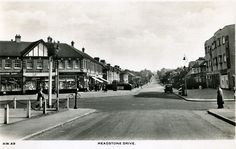 Headstone Drive Watford, Back In The Day, Historical Photos, Cool Photos, Nostalgia, The Past, Street View, London, Sweet