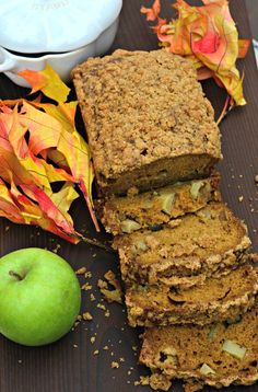 The best-ever pumpkin apple bread recipe seasoned with garam masala. A new twist on an old favorite. Try it for brunch, an afternoon snack or a fall dessert.