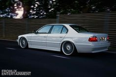 BMW E38 7 series white slammed