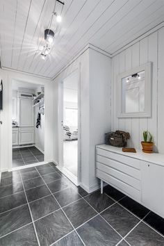 Alcove, Tile Floor, Bathtub, Real Estate, Flooring, Flat, Style, Rome, Standing Bath