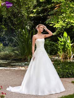 Robe de mariée Fabia, robe de mariéé romantique, robe de mariage dentelle chez…