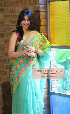 PV 3913 : Blue green bird Price : 4750 Rs Another dual toned organza chanderi sari in greenish blue sari finished with rich thread work Unstitched blouse piece : Running blouse piece For Order Silk Saree Kanchipuram, Organza Saree, Indian Silk Sarees, Indian Beauty Saree, Aunty In Saree, Saree Dress, Saree Blouse, Simple Sarees, Fancy Blouse Designs