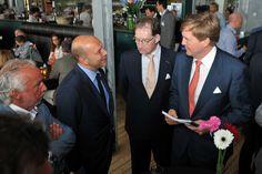 """Jaaa, het is fotografe Charlotte Bogaert gelukt: De Koning heeft zijn """"Koninklijke Wegen"""" in handen! Met dank aan www.veenmanplus.nl"""