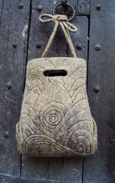 Quilted felt shoulder bag