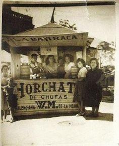 La Fábrica de siempre lleva en pie en Tetuán desde el año 1945. Antigua foto de Kiosco de horchata