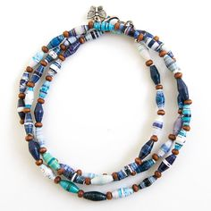 Blue Coloured Single Strand Necklace por lovephilippines en Etsy