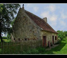 La vieille maison abandonnée - Chambon, Centre Abandoned Mansions, Centre, Photos, France, House Styles, Places, Chambon, Image, Beautiful