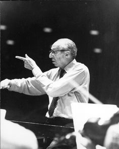 Aaron Copland conducting | Library of Congress