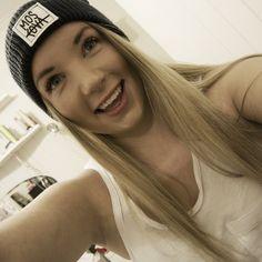 #happy#girl#swag#urban#beanie#moskova#smile#long#hair#summer#chill#white#ocean#marine#blue