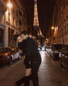 Paris, the city of love💗 Cute Relationship Goals, Cute Relationships, Relationship Drawings, Relationship Challenge, Couple Relationship, Couple Goals Cuddling, Negin Mirsalehi, Fotos Goals, Photo Couple