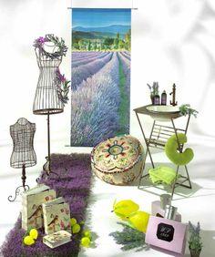 """Fascino Provenzale: fiori di lavanda, tavoli, catini, busti """"comedie"""", scatole e pouf (Provence illusion)"""