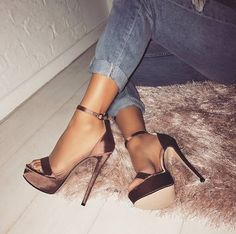 Prom Heels Ideas – All About Shoes Platform High Heels, Black High Heels, Heeled Boots, Shoe Boots, Shoes Heels, Basket A Talon, Prom Heels, Cute Heels, Sneaker Heels