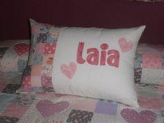 cojin de patch personalizado con el nombre de Laia