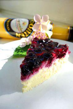 Eierlikör Rezept: Sommerfrische Mascarpone-Cassis-Torte - Backrezepte - VERPOORTEN