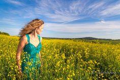 LinkedIn Lily Pulitzer, The Outsiders, Sign, Nature, Dresses, Fashion, Vestidos, Moda, Naturaleza