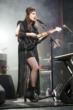 Angel Olsen weaves a spell around the 02 Ritz audience at her sold out show. Faye Webster, Angel Olsen, Top Albums, Women Of Rock, Patti Smith, Music Aesthetic, Photography Portfolio, Dream Life