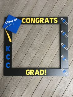 Wood PhotoBooth Frame Props customized for any occasion by PalletCreatives 5th Grade Graduation, Preschool Graduation, Graduation Photos, Graduation Gifts, Photo Frame Prop, Picture Frames, Mother's Day Background, Preschool Lessons, Grad Parties