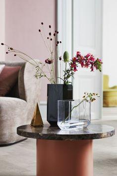 Tall glass vase with bevelled corners. Size 4 x 5 x 9 in. Vase Crafts, Wall Vase, Vases Decor, Marble Vase, Modern Vase, Paper Vase, Vase Design, Vase Arrangements, Concrete Vases
