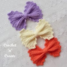 Big Bow Crochet Pattern - A cute and fun large bow, the perfect accessory that can be used on bags, hats blankets and many other items.The free crochet . Crochet Bows Free Pattern, Crochet Jewelry Patterns, Crochet Hair Accessories, Crochet Patterns For Beginners, Free Crochet, Crochet Hair Bows, Crochet Mask, Crochet Flowers, Crochet Leg Warmers
