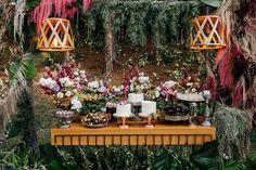 Fabiana e Evandro | O casal celebrou a união em uma linda cerimônia Naked Cakes, Table Decorations, Wedding Ideas, Mini, Home Decor, Boho Wedding, Wedding Inspiration, Wedding Things, Dress Wedding