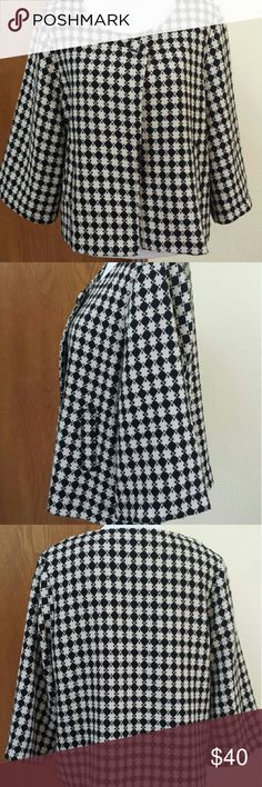 """Vertigo Paris Swing Jacket, poly/acrylic weave, XL Elegant, hand washable blazer with slant pockets, and covered top buttons so it can be worn closed or open. See extra pictures. Preloved, with no visible flaws. Measures 22"""" across the bust and 23"""" long. Vertigo Paris Jackets & Coats Blazers"""