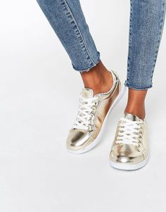 new arrival 54f36 364fd Image 1 of Missguided Gold Metallic Trainer Adidasskor, Skor Sneakers,  Rivna Jeans, Lanyards