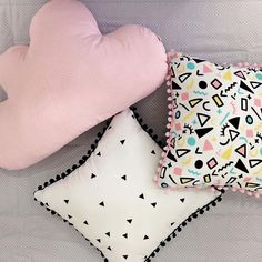 Yellow Throw Pillows, Diy Pillows, Decorative Pillows, Indian Bedroom Decor, Bedroom Decor For Teen Girls, Cute Cushions, Knitted Cushions, Diy Cushion Covers, Bed Cover Design