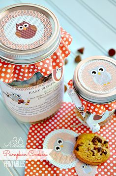 Follow this link to download the free printable for Pumpkin Cookies In A Jar by the36avenue.com! Great gift to pair with a gift card!